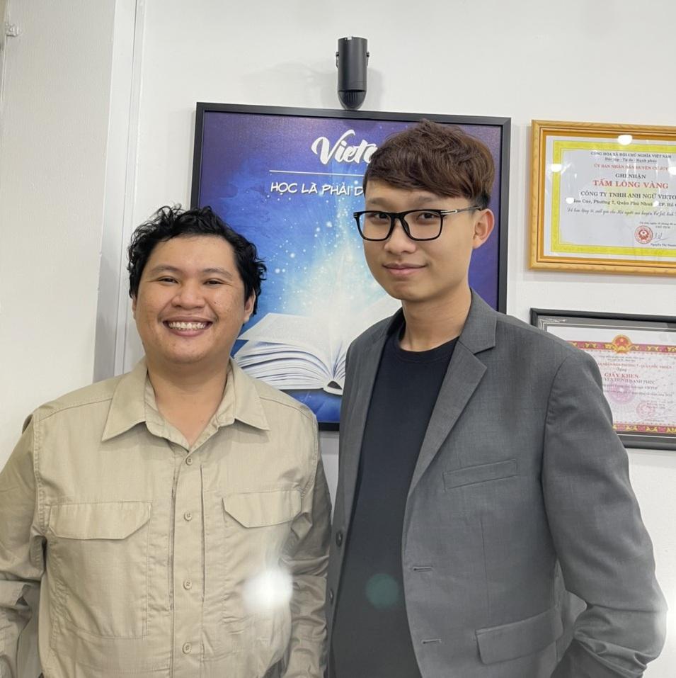 Thầy Vũ và Nguyên bây giờ đã trở thành đồng nghiệp của nhau